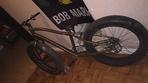 "2015 26"" Brown specialized big wheel bike"
