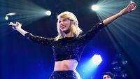 2 tickets for Taylor Swift 1989 concert in Montreal