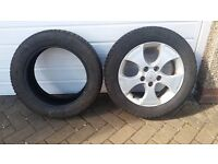 """Kia Venga alloy wheel 16"""" with winter tyre 205/55R 16 91H plus another tyre. Useful as spare wheel"""