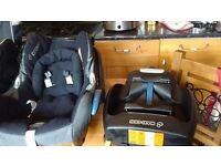 Maxi Cosy Isofix base and car seat