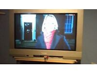 pannasonic tv,with remote