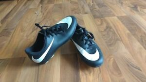 Nike Soccer Cleats size youth 3