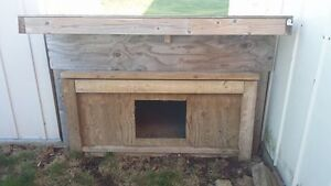 Solid Dog House Dunnville/South Cayuga