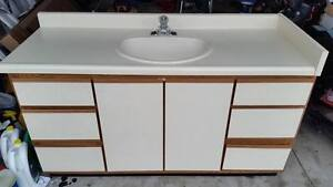 BATHROOM VANITY WITH TAP AND SINK