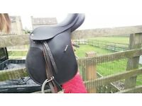"REDUCED Wintec 17"" Black Saddle"