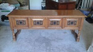 Beautiful, solid oak sideboard