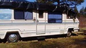 Chevrolet Recreational Vehicle, CROSSCOUNTRY, Year 1986, 35 ft.