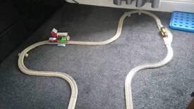 THOMAS THE TANK ENGINE- PERCY'S MAIL TRAIN TRACK MASTER SET