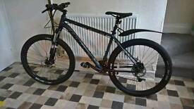 Cannondale Trail 4 2016 All Black Like New