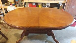 RARE SOLID OAK CLAW AND BALL FOOT DINNING TABLE AND 4 CHAIRS