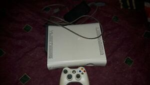 Used Xbox 360 + 25 Games