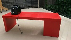 Meuble rouge (table basse/meuble TV)