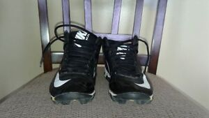 Nike Football cleats. Size 5 boys youth.