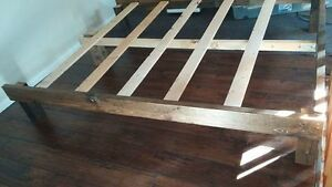 QUEEN SIZE CUSTOM MADE WOOD BED FRAME Cornwall Ontario image 2