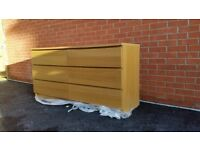Ikea Malm chest of 6 drawers with matching glass top