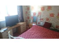 large clean double room to rent wifi tv all bills inc no dss working only