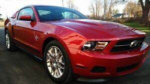 2012 Ford Mustang V6 3.7L Premium Package
