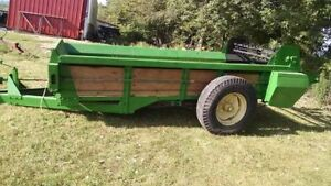 New Idea #215 Fully Reconditioned Manure Spreader