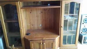 SOLID TIMBER TV UNIT Bligh Park Hawkesbury Area Preview