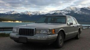 Minty 1991 Town Car Cartier, loaded, A/C works