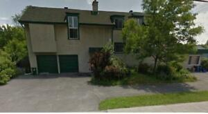 3 bdrm+den house apt on Baseline Rd. close to College square