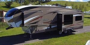 32' Luxury Cougar Fifth Wheel 282 RLS, 3 Slide Outs, Four Season