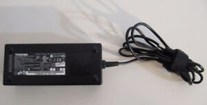 NEW Genuine Toshiba laptop charger 120 W
