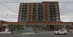 Retail unit fronting Lakeshore Blvd W at Fourth St