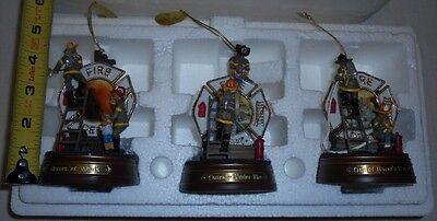 2002 BRADFORD EXCHANGE Figurine/Christmas Ornament Firefighter NOS
