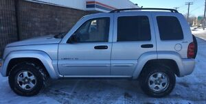 Jeep Liberty for sale  great shape runs great !!