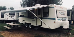 Rare Vanguard Legend 23 FT RV Trailer