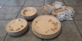 ONO - Crown Dynasty Plates and Tea Set