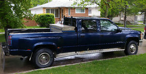 1995 Chevrolet C/K Pickup 3500 SLT Pickup Truck