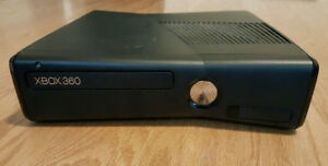 Xbox 360 slim, with controller 250gb