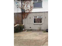 Spacious Single Room available For rent Near Barking Road Canning Town Station - Off street Parking