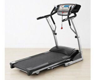 Freespirit Treadmill / Tapis roulant usagé