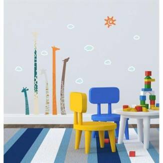 Brand New Giraffe Removable Wall Stickers Decals