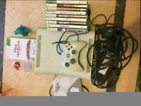 Xbox 360 - Wired Pad - 11 Games - All wires included- Disney infinity Dock + 3 Toys - 250 GB HDD