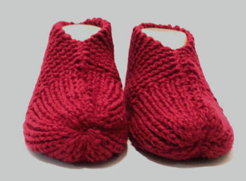 MENS Hand Knitted Slippers BURGUNDY 1 size fits most 7,8,9-12