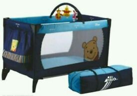 Hauck Travel Cot Winnie the Poo and Friends