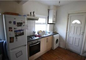 3 BEDROOM SEMI - £325 PPPM - HARTLEY AVENUE, LS6