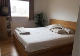 SPACIOUS ROOM AVAIBLE……IN TOWER BRIDGE!!!!!