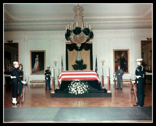 John Kennedy Photo 8X10 - Lying In State 1963 Funeral Assassination Oswald