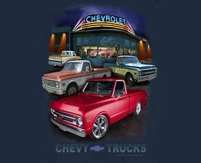 (Chevy Trucks 1967-1972 Dealer Scene Men's T Shirt in Blue Dusk )