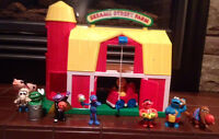 Sesame Street Farm Playset WITH Figures