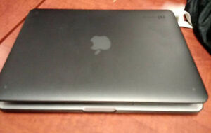 Great Condition (september 2015) Mac Book Pro Retina 128gb