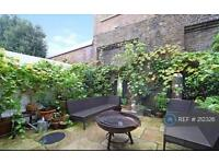 2 bedroom flat in Furness Road, London, SW6 (2 bed)