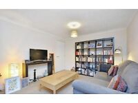 Lovely 2 bedroom flat with BEAUTIFUL furniture, STUDY and PATIO. Your new HOME for Christmas!
