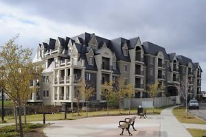Great Location! 2 Bdrm Condo in Building w Great Features!!
