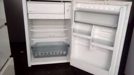 Silver Hotpoint fridge with freezer box. Can deliver.